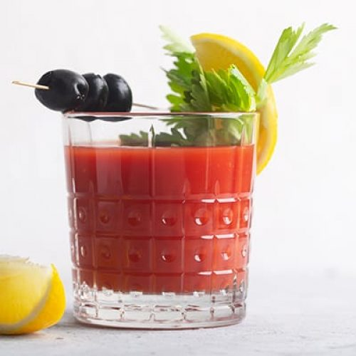 cocktail-bloody-mary-with-ice-salt